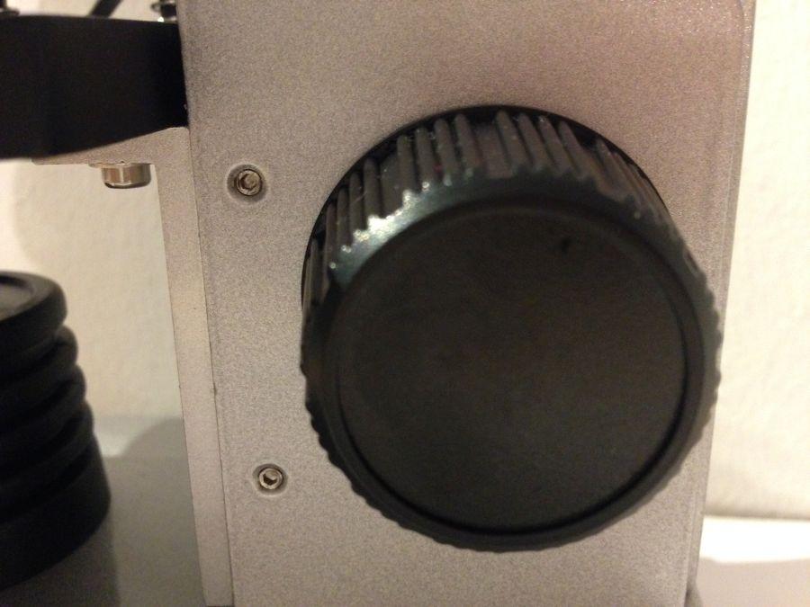 Mikroskop: Grobtrieb