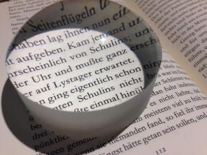 Olvasókö szöveget nagyít