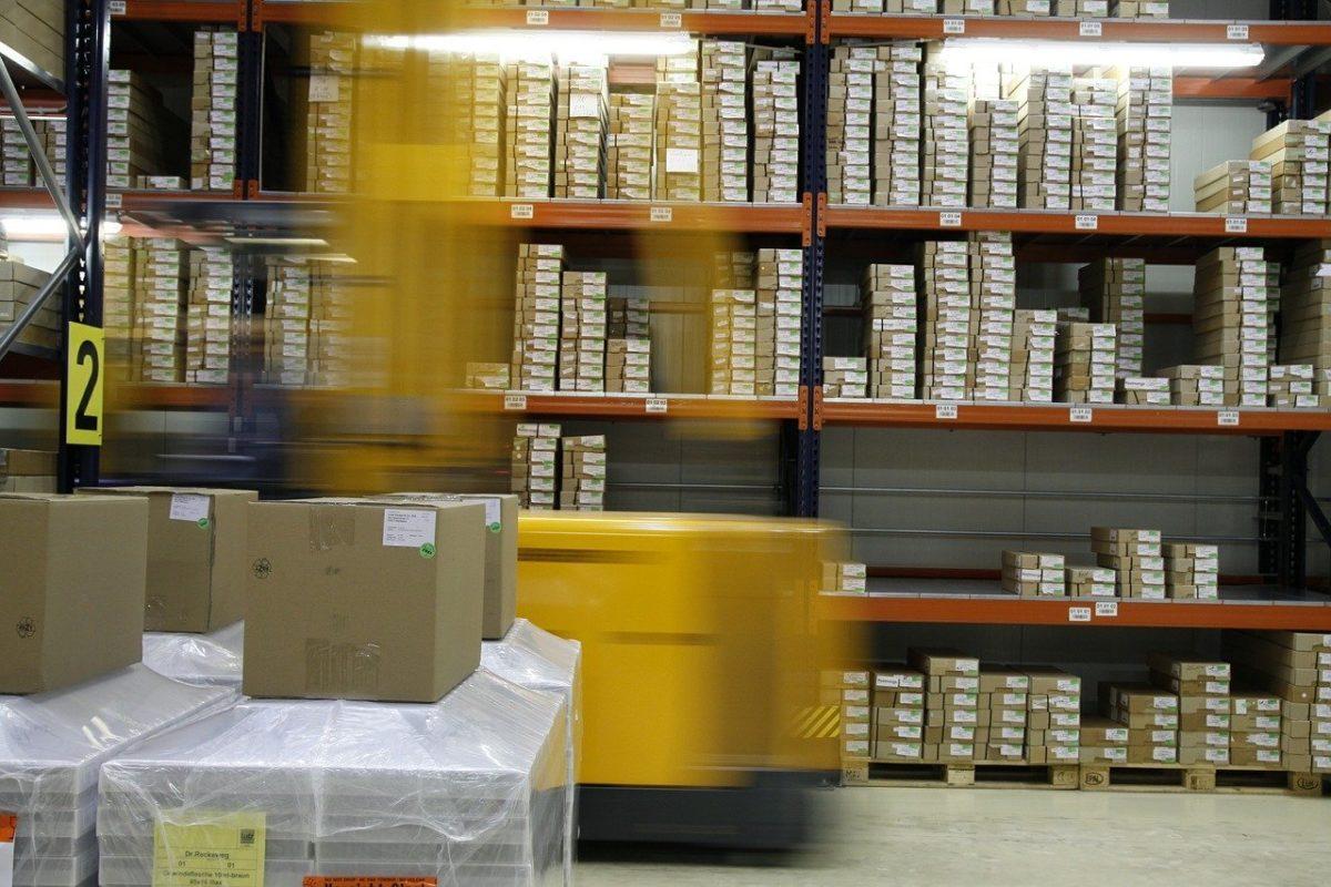 Verpackung und Versand von wissenschaftlichen und technischen Waren